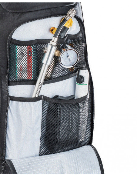 Evoc FR Trail Unlimited 20L black/white XL von Evoc